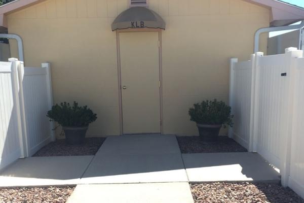 outside-the-kennel-9D394C739-B14B-5FAC-102F-DEA0F59C6978.jpg